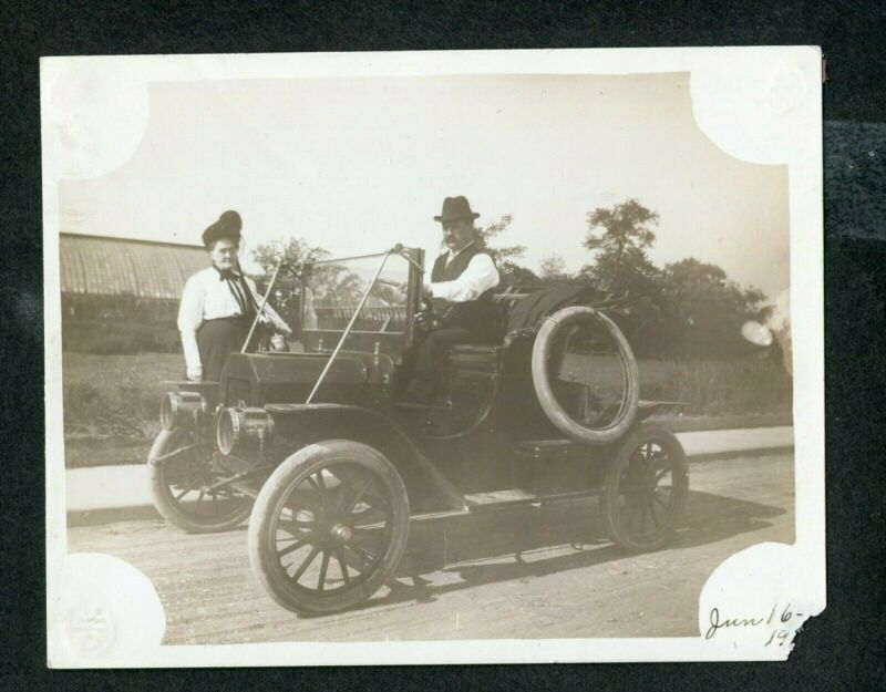 Vintage Car Photo circa 1910 REO Model G 393011