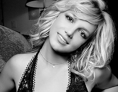 Britney Spears Unsigned 8x10 Photo (119)