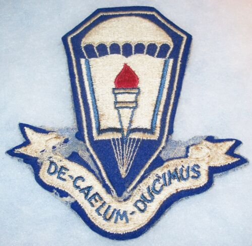 SALTY ORIGINAL CUT-EDGE WOOL WW2 AIRBORNE JUMP SCHOOL FORT BENNING PATCH (GLOWS)