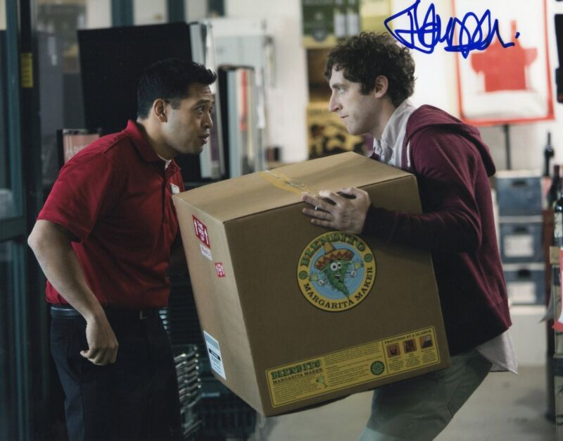Thomas Middleditch Silicon Valley TV Show Signed 8x10 Photo w/COA #3