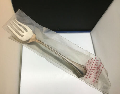 REED & BARTON ENGLISH CHIPPENDALE SALAD FORKS) ~ NEW IN WRAPPER