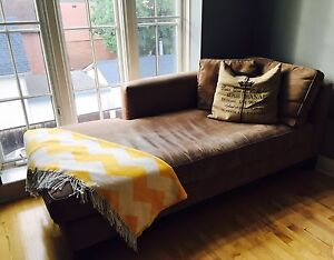 Chaise lounge couch/sectional