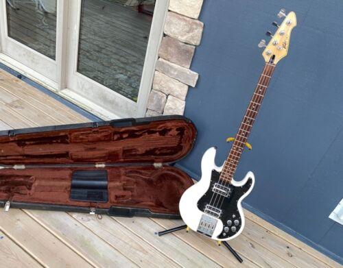 vintage 1982 rare t-40 t40 WHITE peavey bass original case SwissArmy of tone !!!