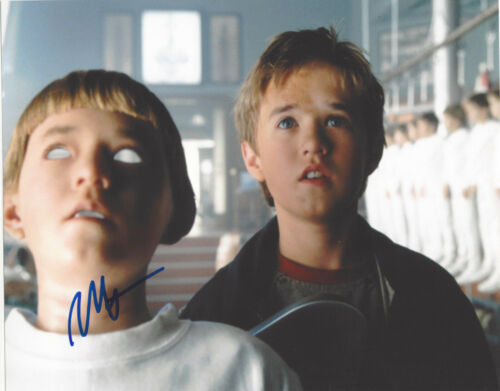 HALEY JOEL OSMENT SIGNED AUTHENTIC A.I. ARTIFICIAL INTELLIGENCE 8X10 PHOTO w/COA