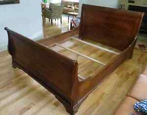 Queen Sized Solid Maple Sleigh Bed West Island Greater Montréal image 2