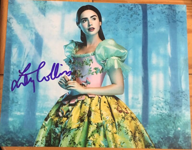 LILY COLLINS SIGNED FULL AUTOGRAPH CLASSIC POSE SEXY SCENE 8x10 PHOTO WITH COA