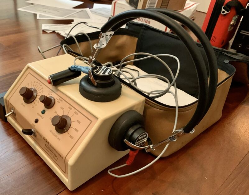 Vintage Ambco Audiometer Model 650 With Leather Case Is Works Great!!