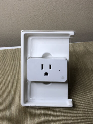 c by on off smart plug works