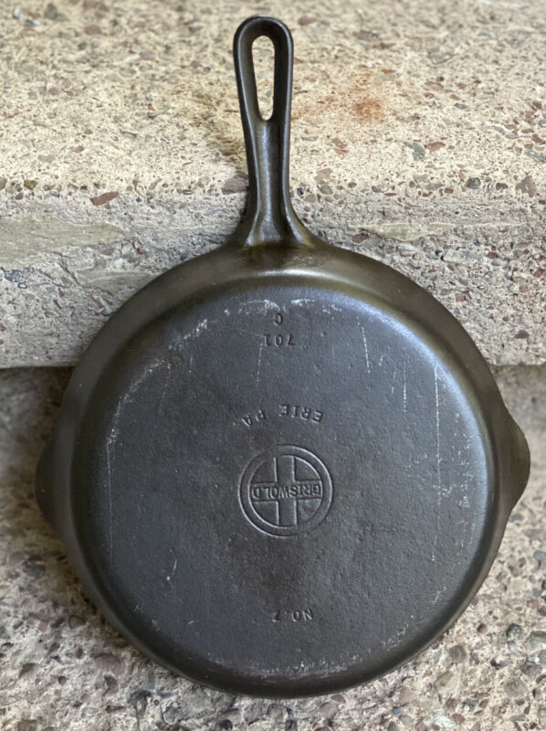 """Griswold #6 Cast Iron 9"""" Skillet Model 699 W -  Small Block Logo"""