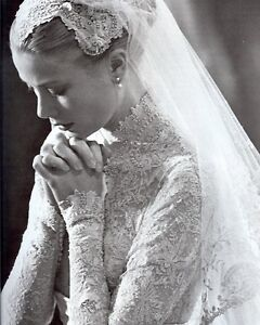 PRINCESS GRACE KELLY WEDDING DRESS 8X10 GLOSSY PHOTO PICTURE IMAGE #2