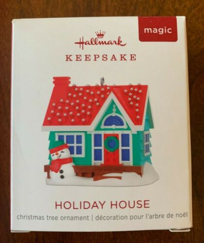 2018 Hallmark Miniature / Mini Ornament ~ Holiday House ~ Magic with Light ~ NEW