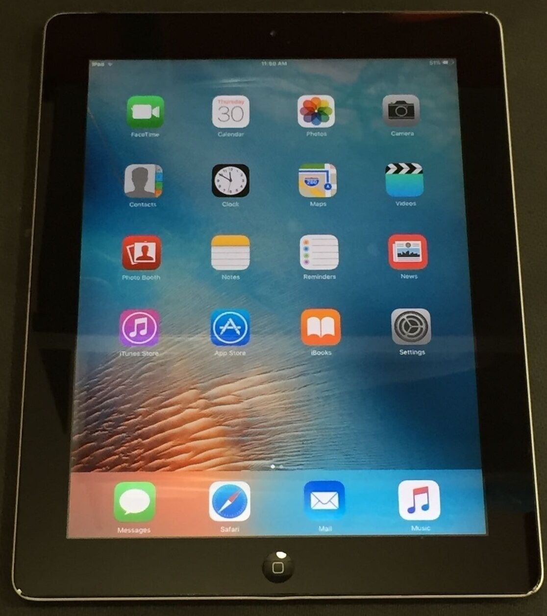 Wi-Fi MC769LL//A 9.7in Tablet Black A1395 TESTED WORKING Apple iPad 2 16GB
