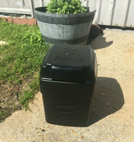 Used The DRIVE/Drive² Golf Cart Six-Pack Cooler