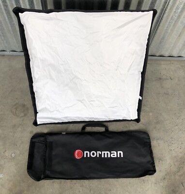 "Norman Softbox W/Silver Interior 24"" X 24""  W/Bag FSBS 66S In EUC"