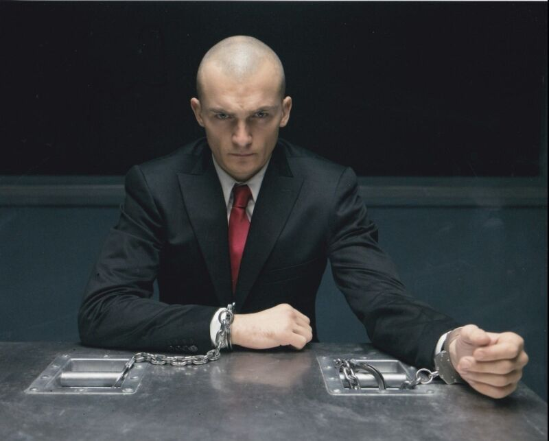 RUPERT FRIEND SIGNED 8X10 PHOTO HITMAN: AGENT 47 AUTHENTIC AUTOGRAPH COA D