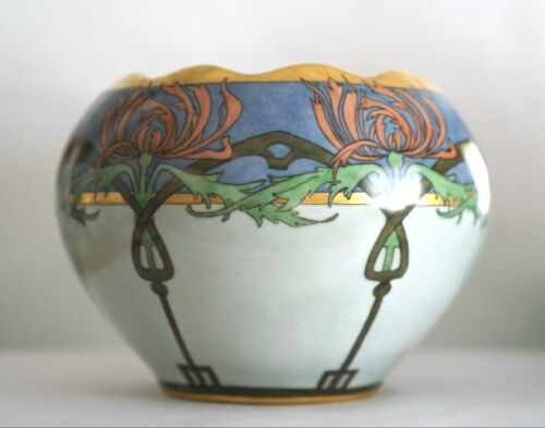 ART NOUVEAU HAND-PAINTED DESIGN PORCELAIN VASE GILT GORGEOUS SIGNED BY ARTIST