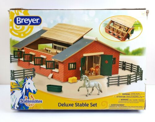 Breyer Stablemates Deluxe Stable Kids Toys Horses Farm Barn NEW Damaged Box