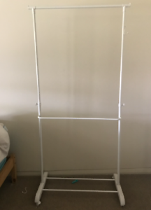 Portable and sturdy clothing rack