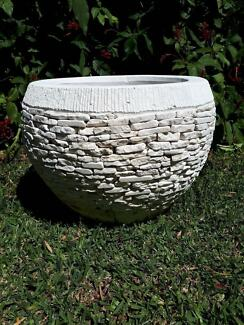 Concrete pot in albany creek 4035 qld pots garden beds concrete stacked stone mosaic garden pot planter workwithnaturefo