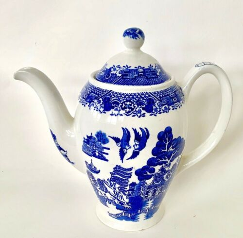 """Woods & Son Teapot (Blue/White) w Lid, Woods Ware, England, Willow, 7 1/2"""" Tall"""