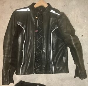 Womens European 2 piece leather suit for motorbike motorcycle Hornsby Hornsby Area Preview