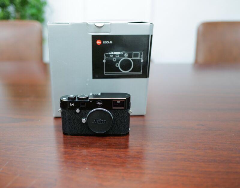 LEICA M (Typ 240) Black Paint Edition 24 MP Digital Rangefinder Camera Body
