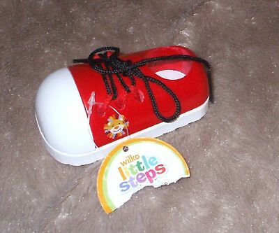 SET 2 RED WOODEN SHOES Learn To Tie Shoelaces EDUCATIONAL WOODEN TOY