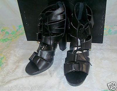 New/box Apostrophe Black Leather Strappy Zip Back Gilligan Sandal Shoe 8.5m