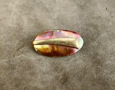 Modeschmuck-Brosche oval ~Perlmutt braun bunt irisierend~; 60/80erJ. ungetragen