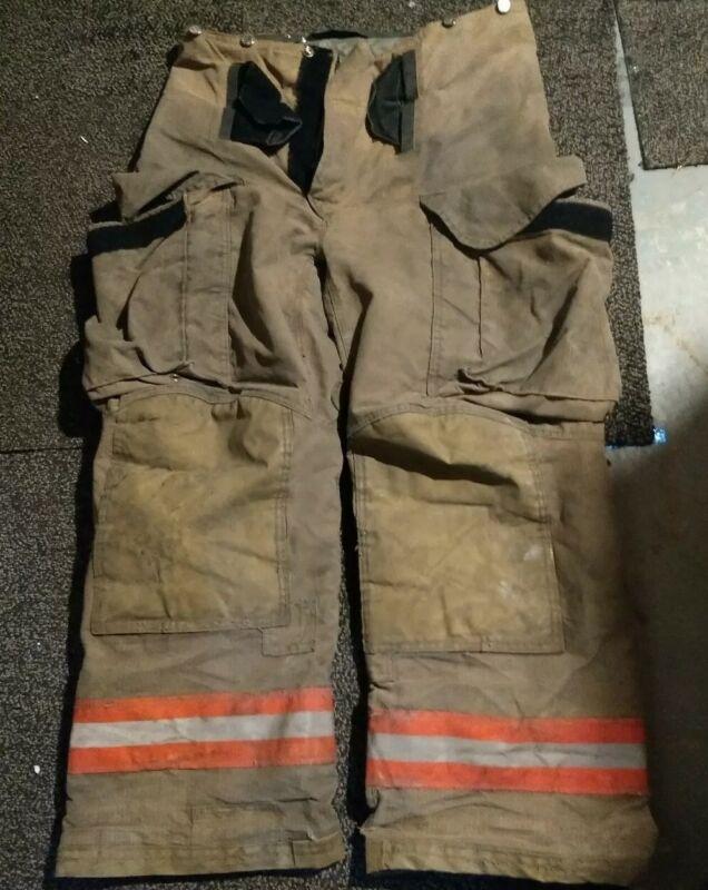 34R Lion Janesville PSLM2K-00 firefighter turnout bunker pants w/liner