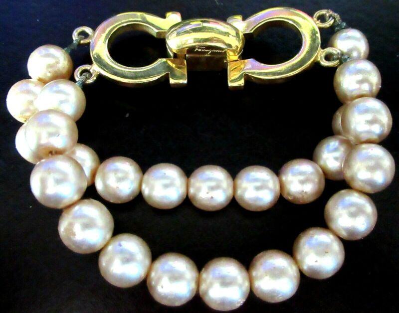 FERRAGAMO ITALY Faux Pearl Vintage Bracelet