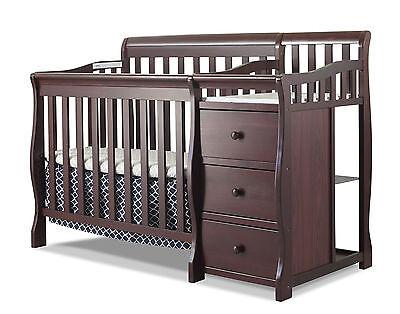 Sorelle Newport 2-in-1 Convertible Mini Crib & Changer