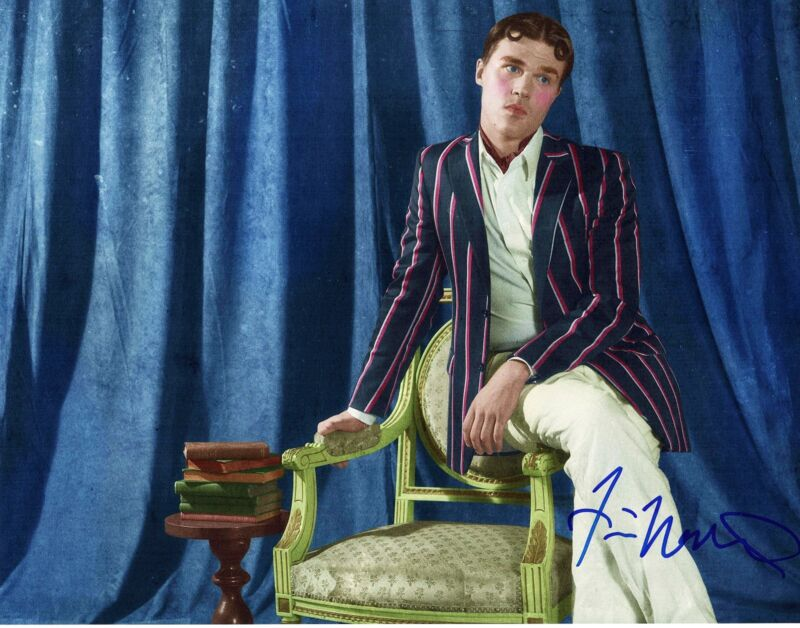 FINN WITTROCK SIGNED AMERICAN HORROR STORY FREAK SHOW 11x14 PHOTO AUTOGRAPH HUNK