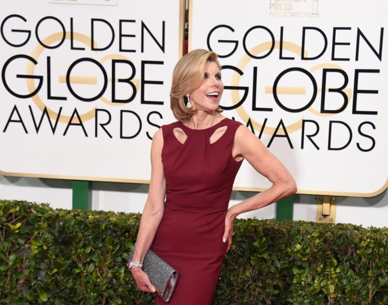 Grande Dame des guten Geschmacks: Christine Baranski in der Trendfarbe Marsala (MARK RALSTON/Getty Images)