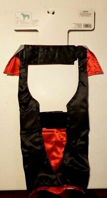 Dog Dracula Cape Halloween Costume, Reflective NWT Size Medium up to 50 lbs