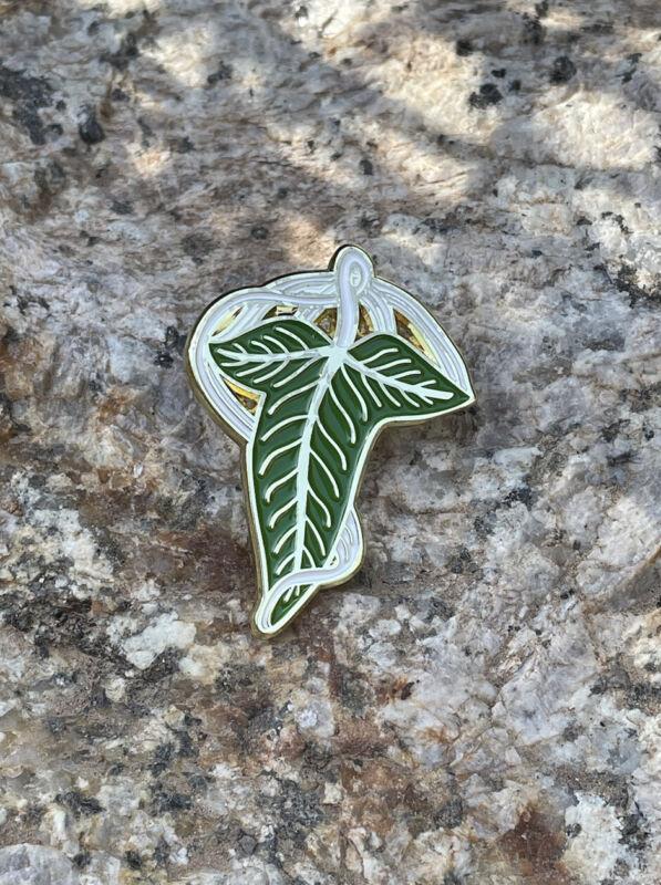 Lord of the Rings Leaves Of Lorien Wood Elf Brooch Pin Lapel + Gift Bag