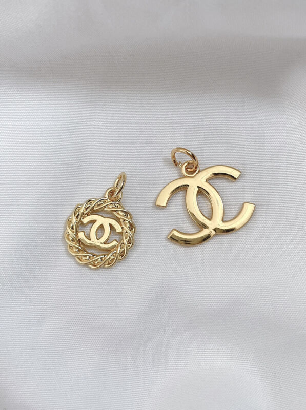 Set of 2pc Chanel Gold Plated CC Logo Metal Button Zipper Pulls