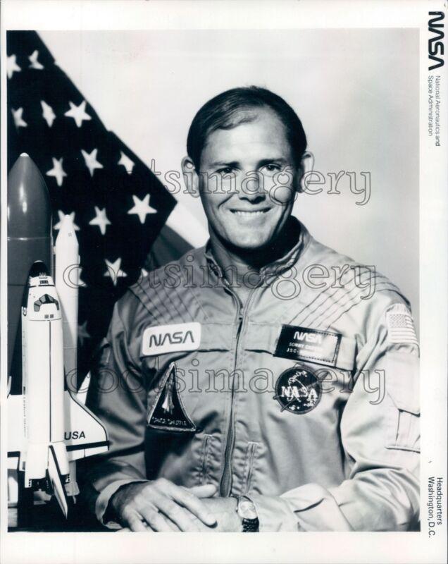 1985 NASA Astronaut Manley Carter Jr Press Photo