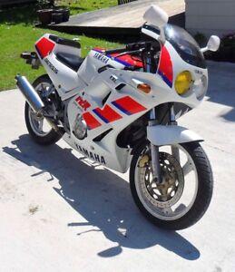 Yamaha FZR250 Wanted (Yes Wanted)
