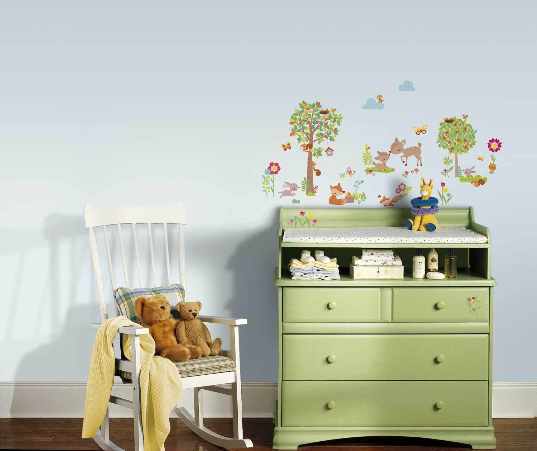 roommates wandtattoo tiere des waldes babyzimmer wandsticker baum waldtiere neu eur 24 99. Black Bedroom Furniture Sets. Home Design Ideas
