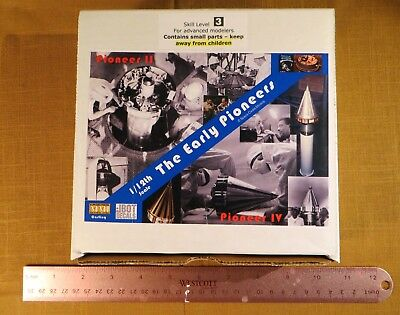"""""""The Early Pioneers"""" model kit from Space Cadet Models"""