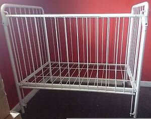 Metal Frame Adjustable baby 2 wheels kid bed cot Maylands Bayswater Area Preview