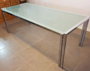 Glass Dining Table (Excellent Condition)