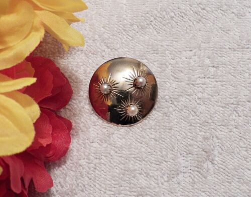 CLASSIC PIN BROOCH CIRCULAR DESIGN ROUND COSTUME PEARLS GOLD TONE VL-AG
