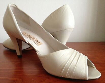 Vintage - white leather shoes Size EU 40 Sutherland Area Preview