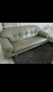 2x nattuzzi leather lounges Allenby Gardens Charles Sturt Area Preview