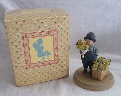VINTAGE AVON JESSE WILLCOX SMITH PORCELAIN FIGURINE HOLIDAY EASTER SPRING TIME