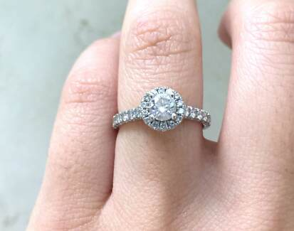 1.25ct DIAMOND ENGAGEMENT RING! ROUND 18ct WHITE GOLD