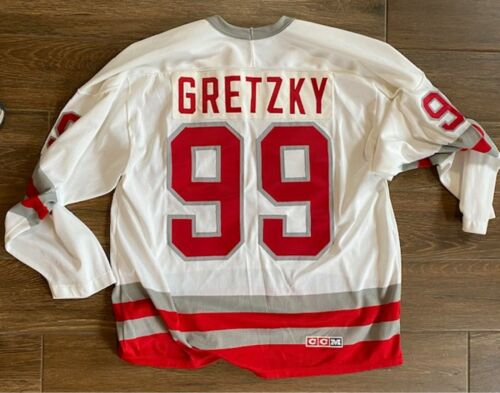 SOO GREYHOUNDS~#99 GRETZKY~CCM~SIZE LARGE~ TERRIFIC CONDITION ~ NEW WITH TAG