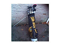 Mens golf clubs and bag around 25 clubs